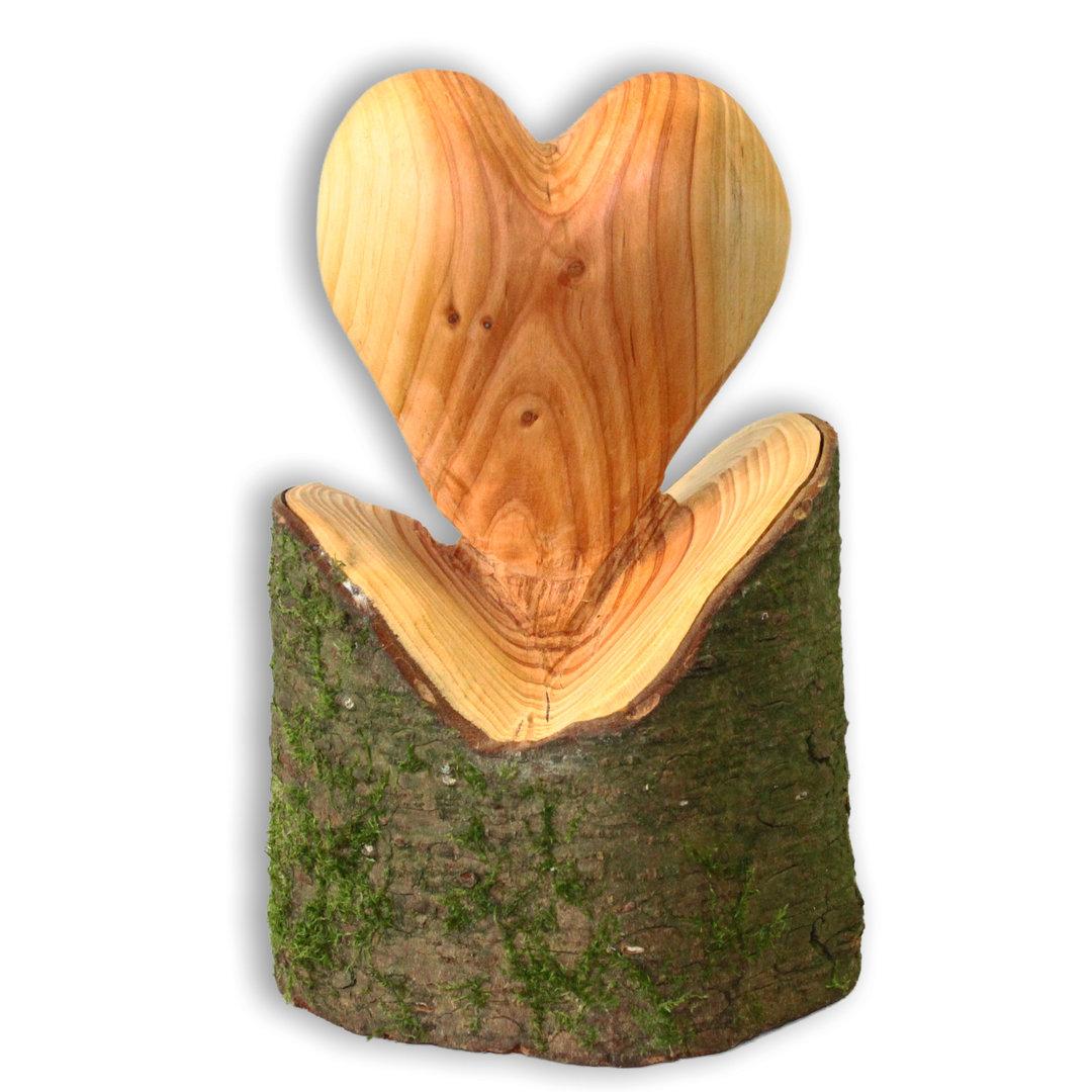 Herz Skulptur kunstvolle Handarbeit aus Douglasie