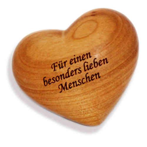 Holzherz mit Beschriftung- Für einen besonders lieben Menschen