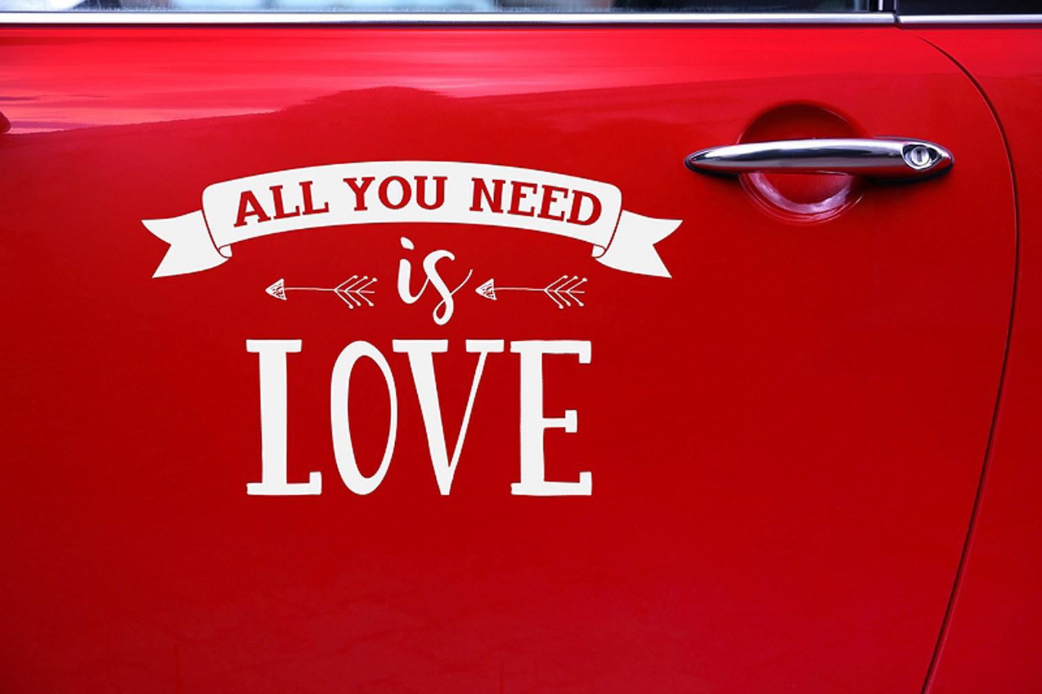 Sticker Aufkleber für Hochzeitsauto All you need is Love weiß Hochzeitsdeko Brautpaar